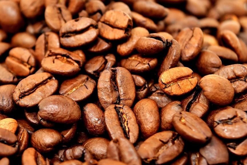Kawa może skutecznie walczyć z chorobami dziąseł