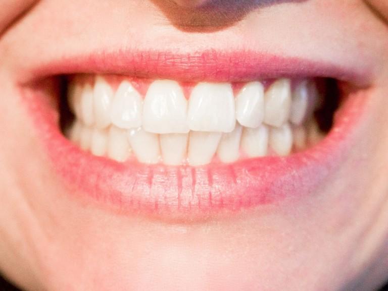 Niski poziom witaminy D a zdrowie jamy ustnej Twojego dziecka