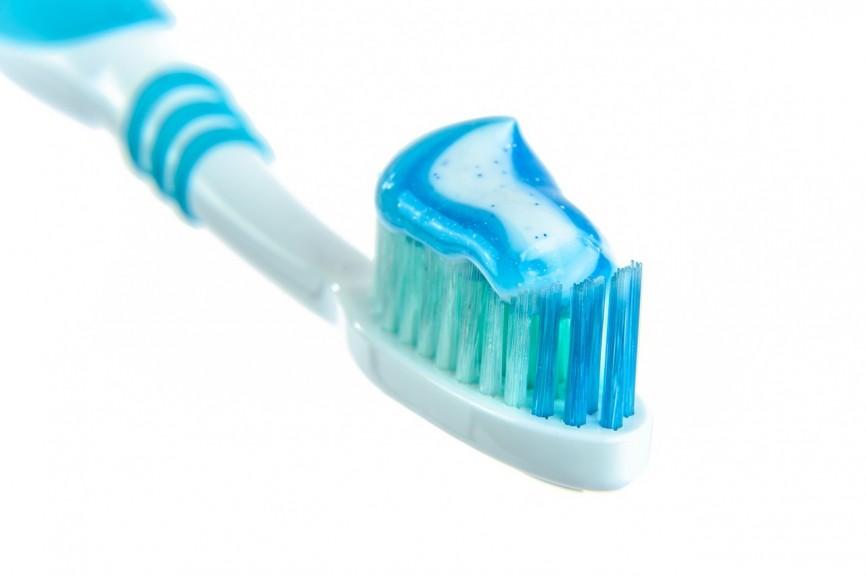 Za częste szczotkowanie zębów szkodzi zdrowiu?