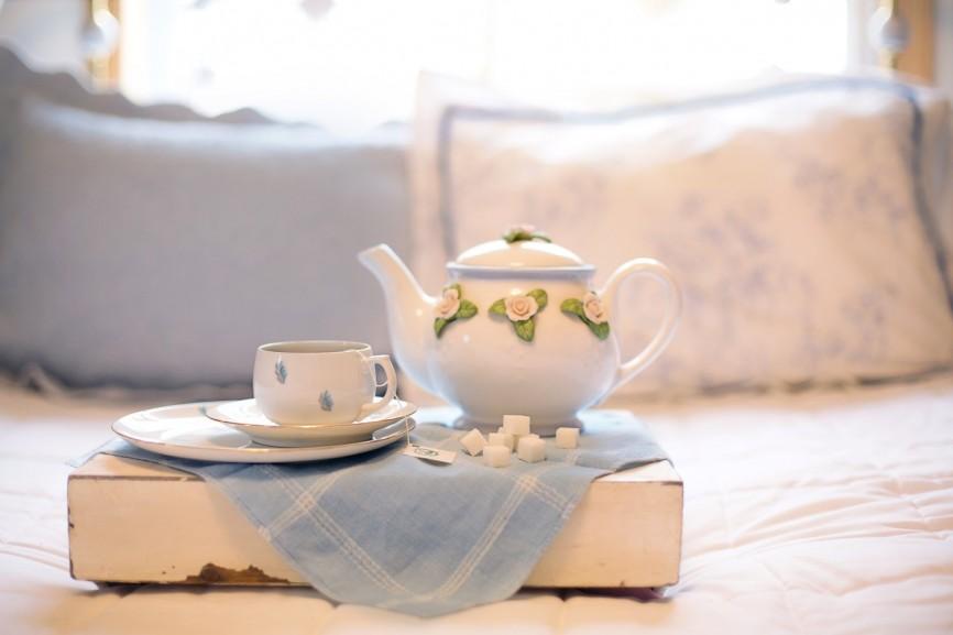 Zbawienny wpływ białej herbaty na zęby