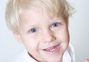 Cztery kroki do utrzymania zdrowych zębów dziecka