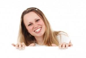 Płukanie jamy ustnej - poznaj alternatywę dla klasycznych, drogeryjnych płynów