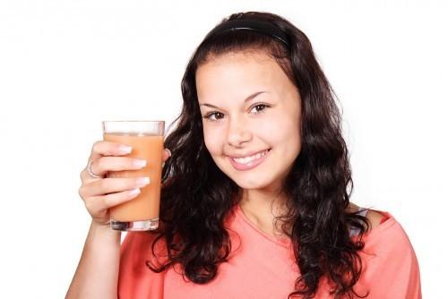 Czy wiesz, jakie produkty niszczą szkliwo zęba?