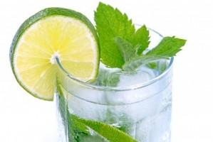 Zimne napoje na lato - co pić, aby zachować nasze zęby w zdrowiu?