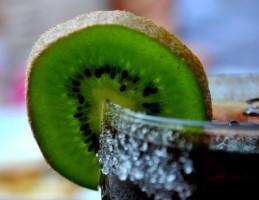 Czym gasić pragnienie latem... i dbać o zdrowie naszych zębów?