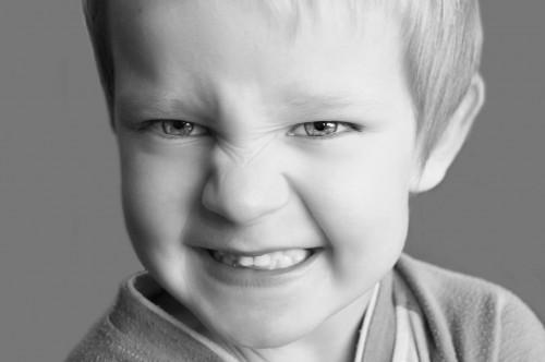 Kruszące się zęby - przyczyny